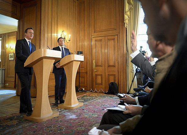 renzi-cameron-foto-flickr-crown-copyright-cc-by-nc-nd-2-0
